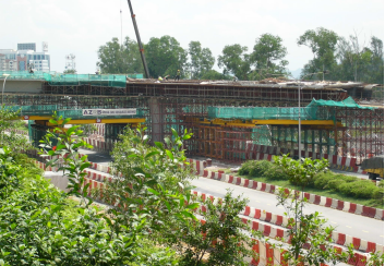 Road Crossing& Box Girder Construction at Ramp E